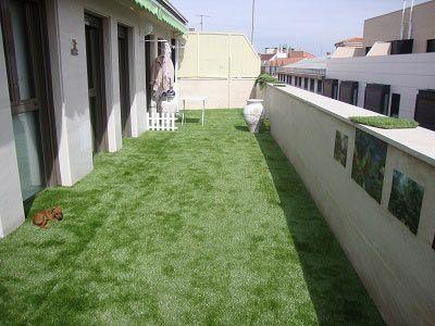 balcón e instalación cesped artificial supreme plus