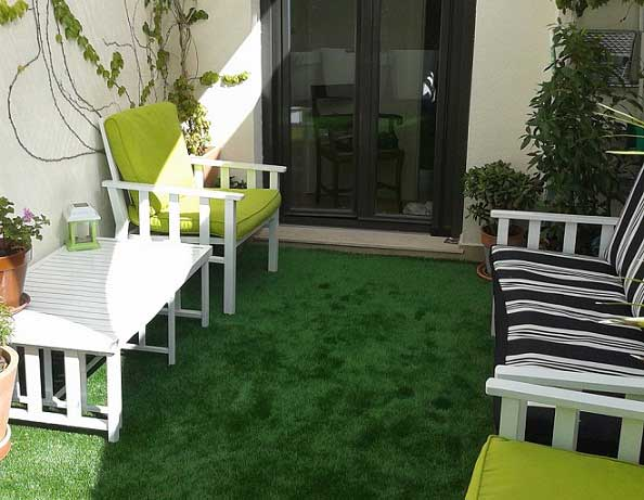 instalación cesped artificial iris y terraza