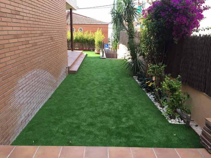 instalación cesped artificial prado 30 y zona exterior