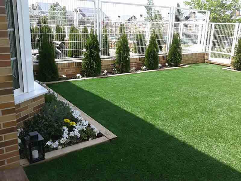 jardín verde todos los días ventajas del cesped artificial