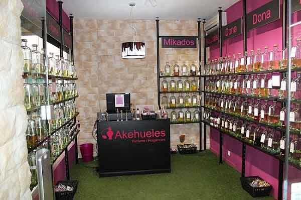 tienda de perfumes instalación cesped artificial