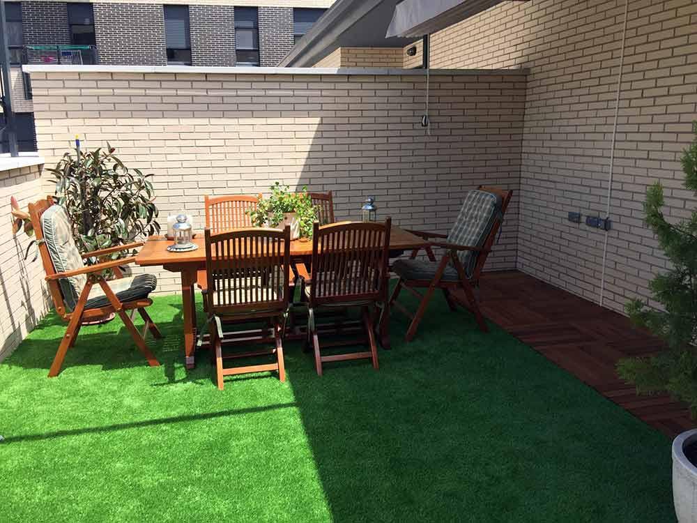 cesped artificial en terraza modelo prado 40