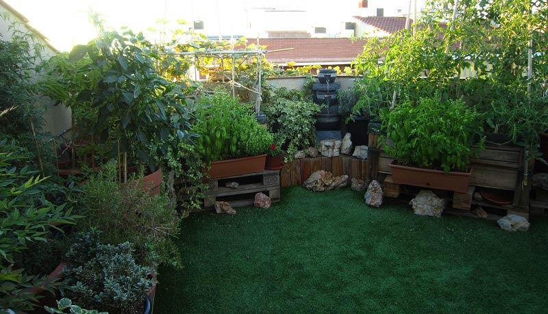 cesped artificial huesca instalacion en un jardin
