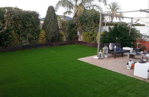 cesped artificial sevilla instalacion en un jardin