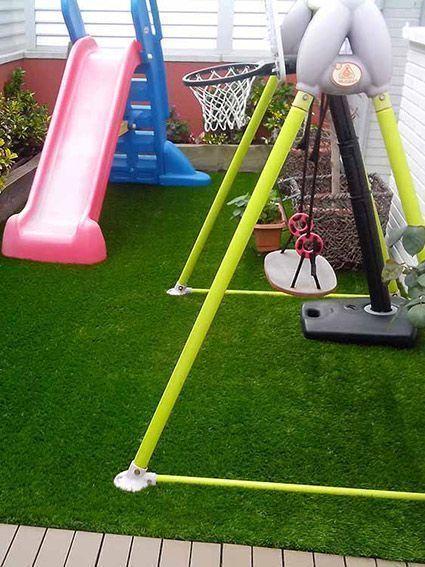 cesped artificial barato zona infantil de juegos