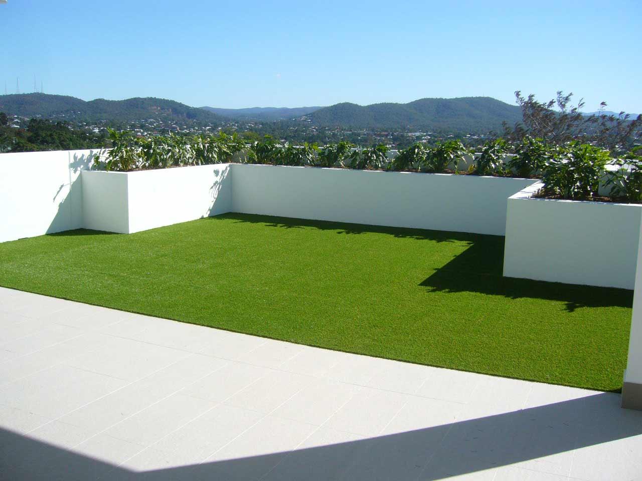 cesped artificial barato instalado en terraza