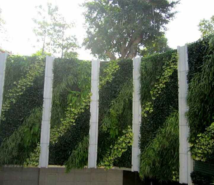 Blog cesped artificial jard n vertical cesped artificial for Jardin vertical exterior